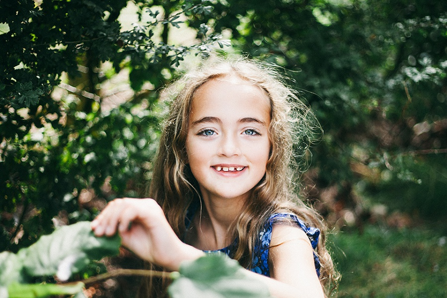 Phoebe in the Park – UK Child Photographer